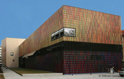 Brandhorst museum - Sauerbruch & Hutton // crayon © Willhalm Gerhard
