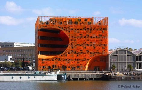 Jakob & Mac Farlane - cube orange ©Roland Halbe